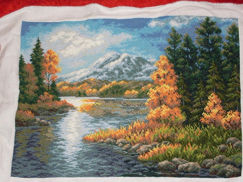 Вышивка горы и озера 19