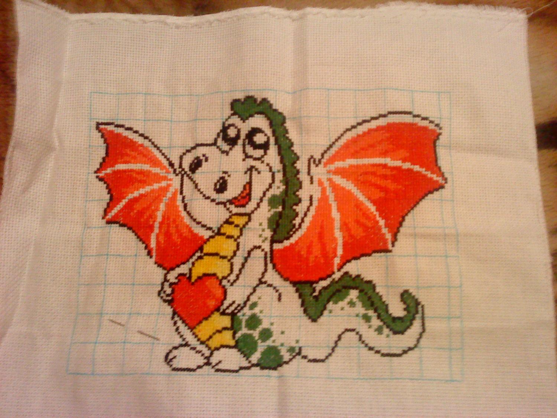 Как вышить дракона крестиком: обзор авторских схем: публикации 33